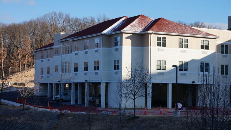 Meramec Bluffs Senior Living Community project PARIC Corporate Construction was chosen for