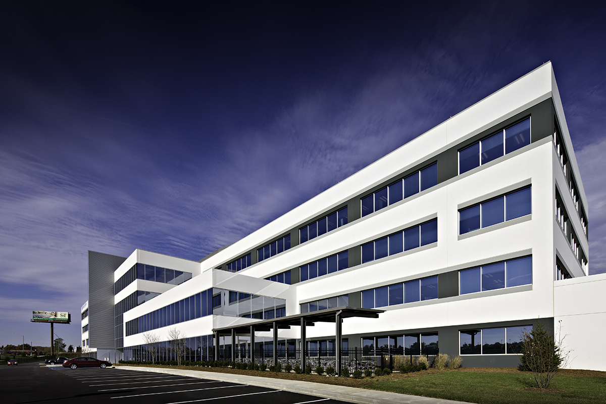 Express Scripts Building 3 was completed by PARIC and Design/Build and fast track construction was used.